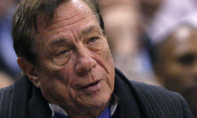 El dueño de los Clippers, Donald Sterling, pagará una multa de 2.5 millones de dólares a la NBA. (Foto: Reuters)