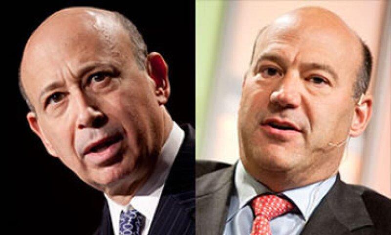 Gary Cohn (der.) es favorito del consejo para sustituir a Lloyd Blankfein (izq.) en la dirección de Goldman Sachs. (Foto: Cortesía CNNMoney.com)