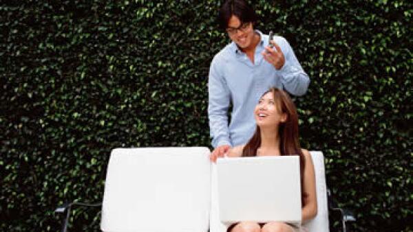 Los trabajadores independientes pueden apoyarse unos a otros en redes virtuales o presenciales. (Foto: Thinkstock)