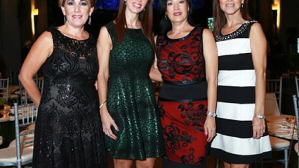 Lourdes Suárez de Herrera,Cecilia García de De León,Sandra González de Carrasco y Lorena Medellín de Charur