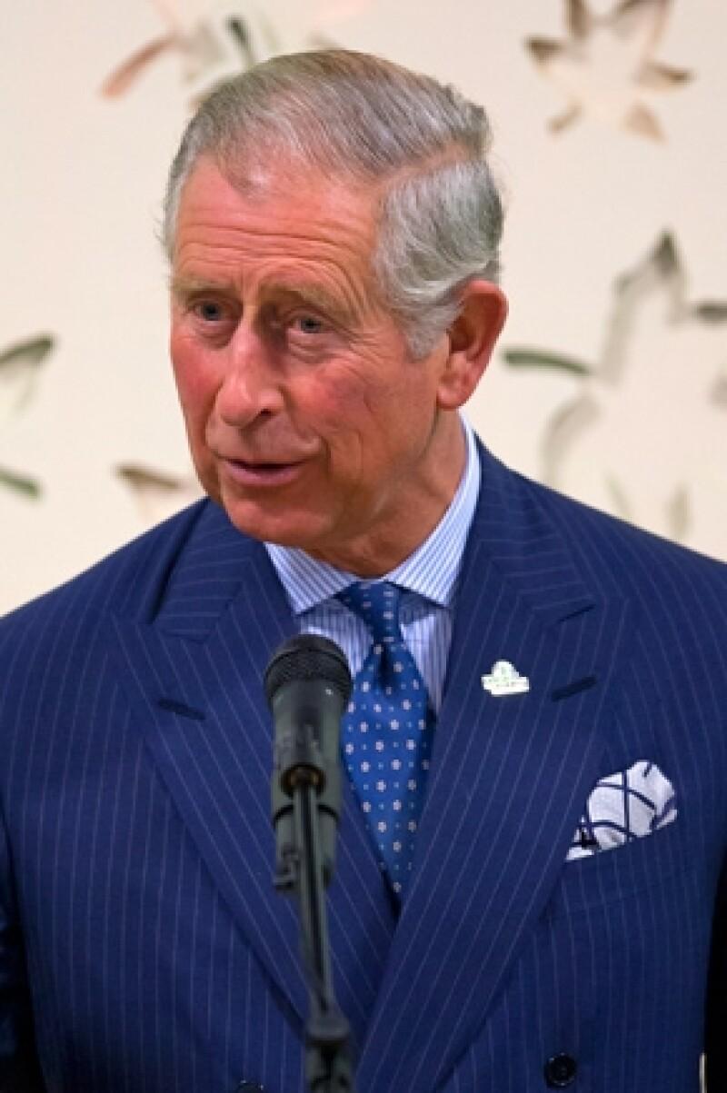 El heredero al trono británico está preocupado por el mundo que le tocará habitar al hijo del príncipe Guillermo y Kate Middleton.