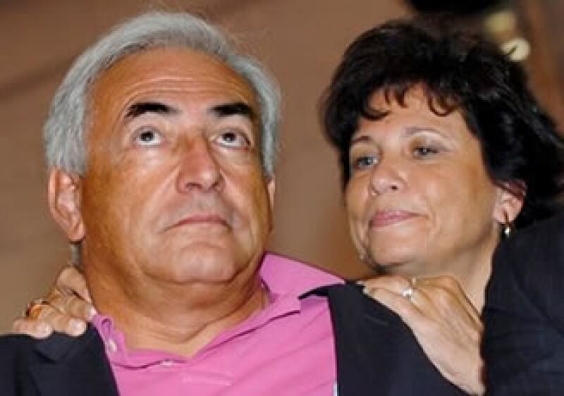 El ex dirigente del FMI, Strauss-Khan, obtuvo su libertad bajo fianza luego de pagar 1 mdd en efectivo. (Foto: AP)