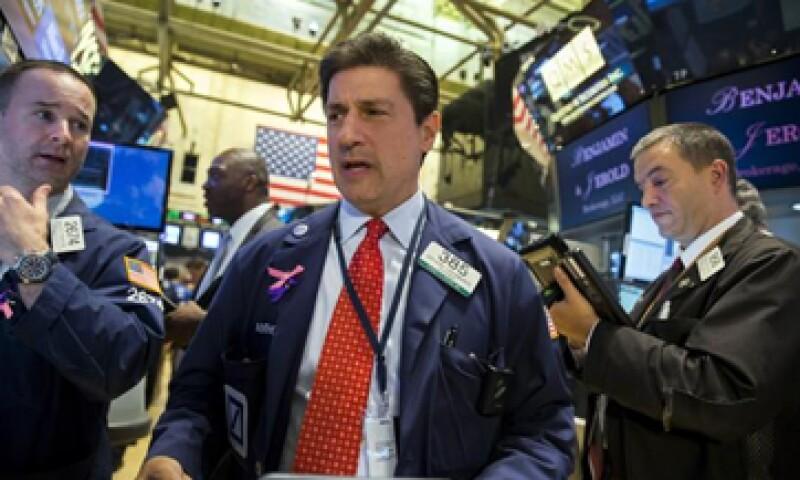 El Dow Jones y el S&P 500 retroceden más de 1% en la Bolsa de Nueva York. (Foto: Reuters)