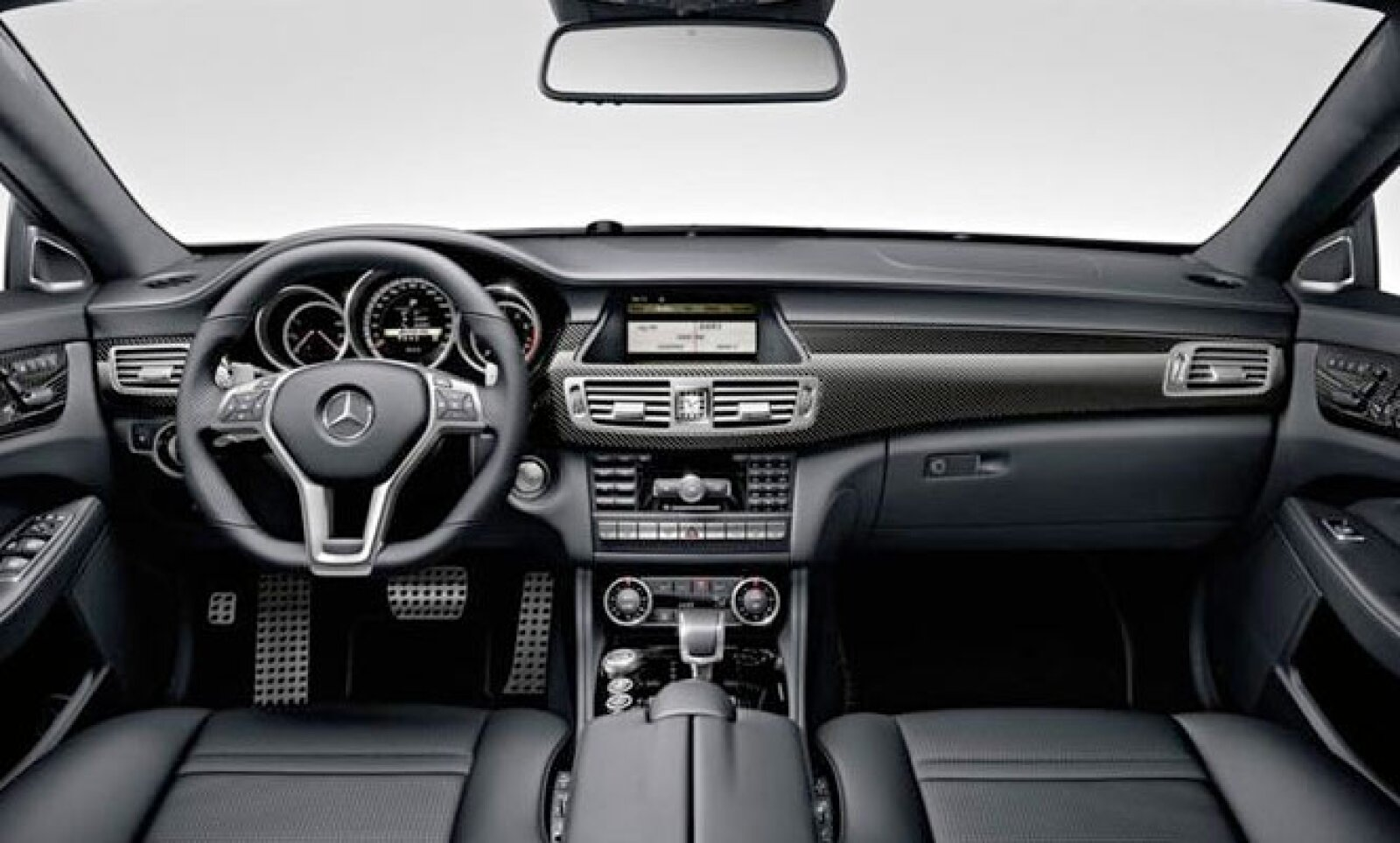 Con este modelo, la marca estrena también un nuevo sistema de navegación para sus productos, más accesible para el conductor.