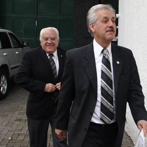 El miércoles en Los Pinos se llevó a cabo la reunión de legisladores del PAN con el presidente Felipe Calderón para analizar el paquete fiscal del 2010. Aquí, el presidente de la Comisión de Hacienda del Senado, Ricardo García Cervantes.