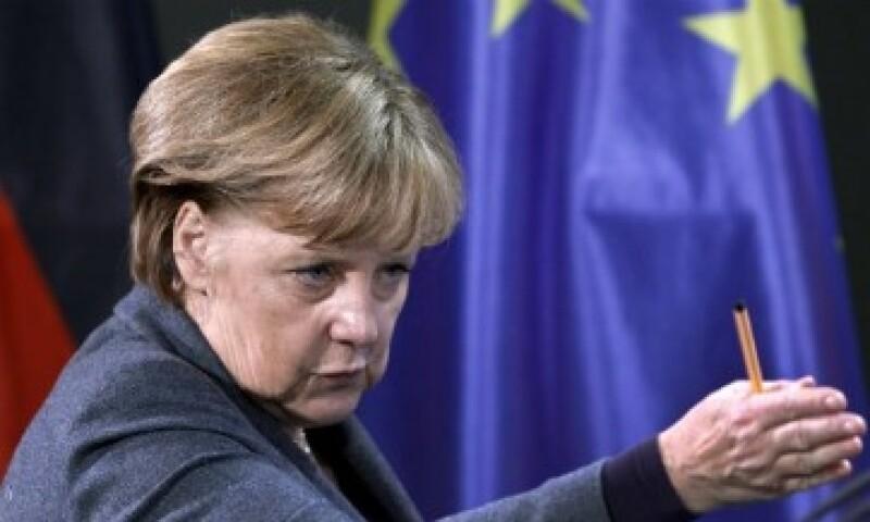 Merkel se niega a aumentar el mecanismo de ayuda permanente, el cual sustituirá al FEEF. (Foto: Reuters)