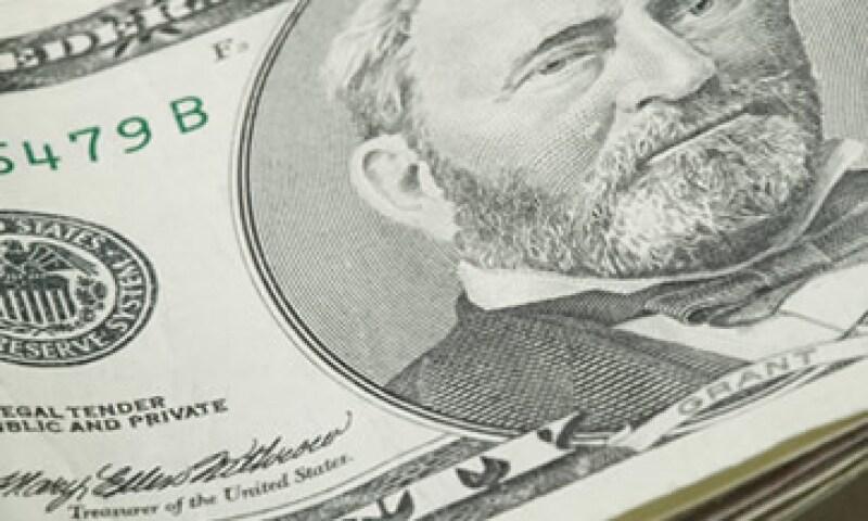 Banco Base prevé que este martes el tipo de cambio cotice entre 13.62 y 13.81 pesos por dólar. (Foto: Thinkstock)
