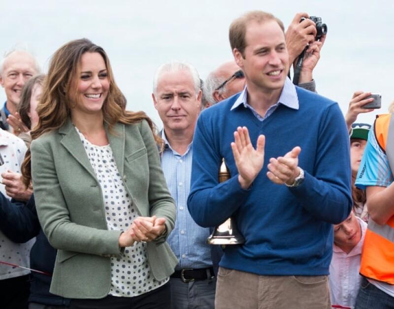 """La Duquesa y el príncipe Guillermo acudieron este viernes a su primer evento oficial, el cual fue """"The Ring O&#39Fire Anglesey Coastal Ultra Marathon"""", ella decidió ir de último minuto."""