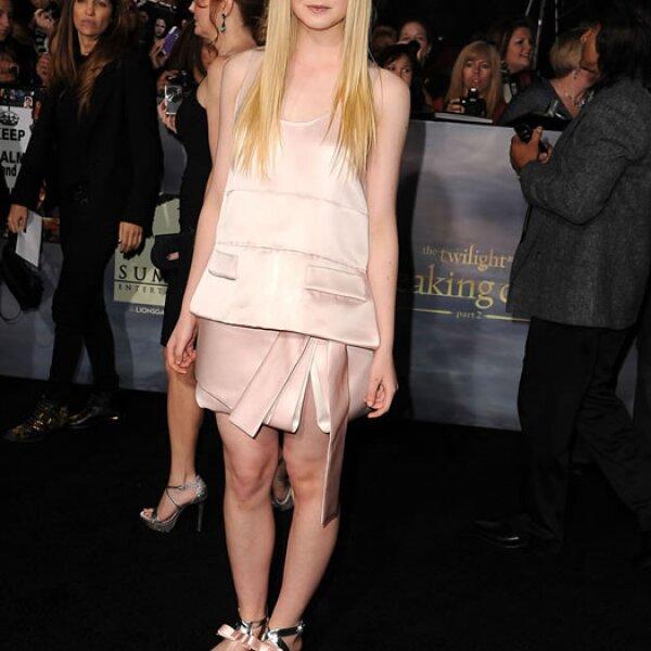 Elle Fanning- `Me gusta esto, Hollywood está obsesionado con la juventud, Elle se vistió de feto´.