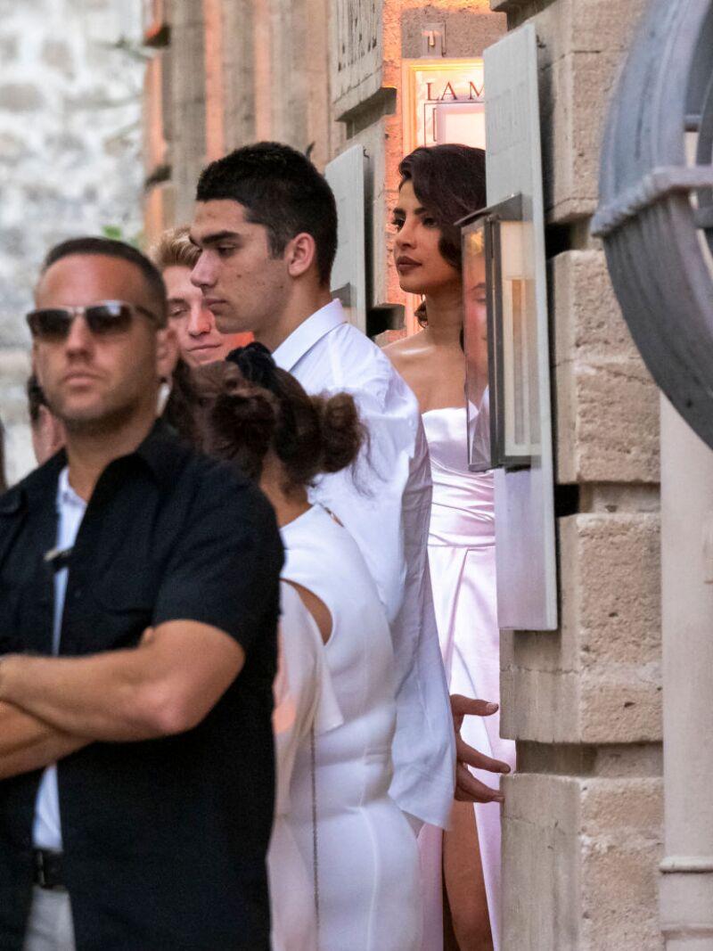 Sophie Turner And Joe Jonas' Dinner Party : Outside Arrivals In Avignon