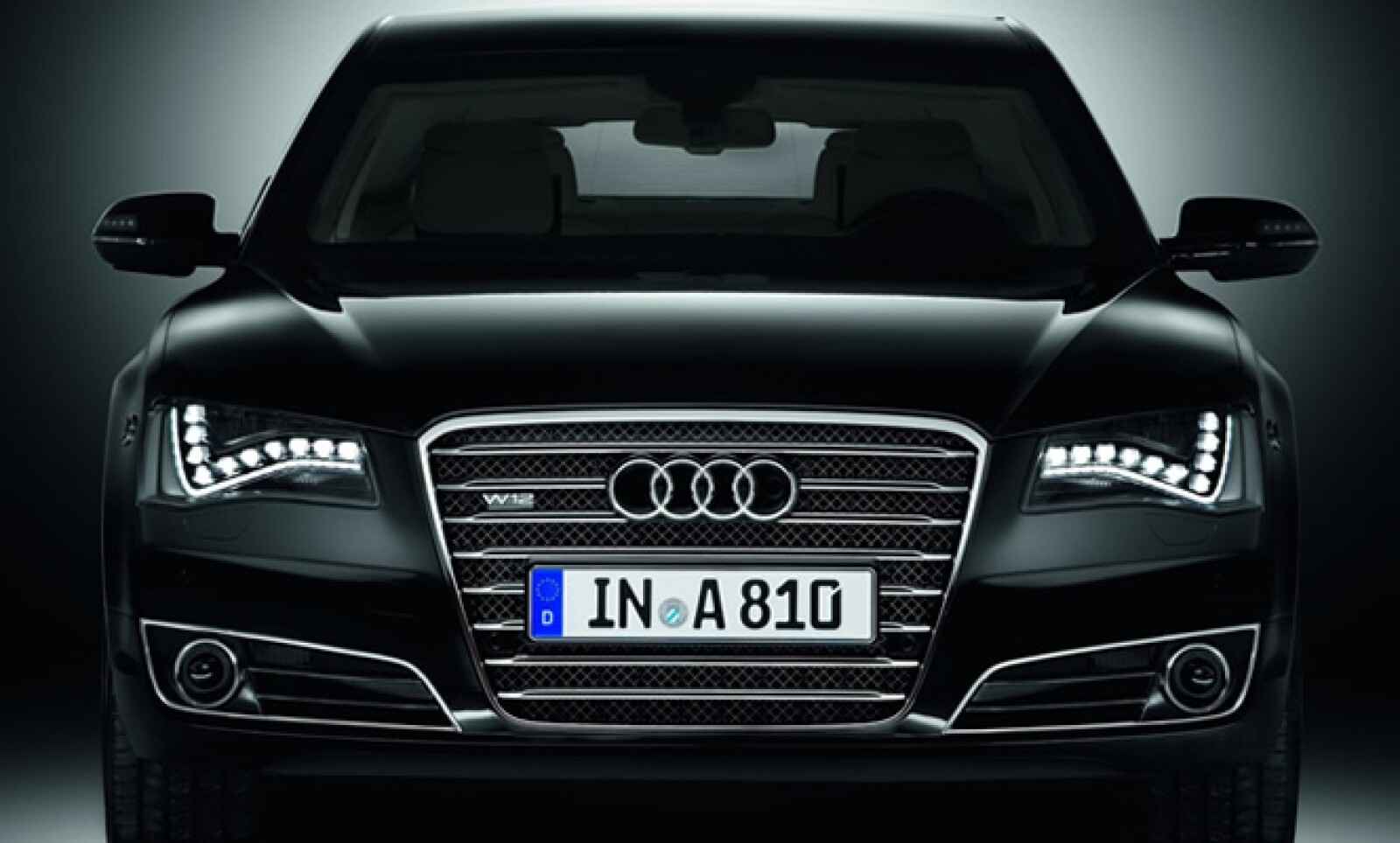 Para la edición 2012 del WEF, Audi entregó un total de 86 unidades Audi A8 L y 13 del A8 Security.