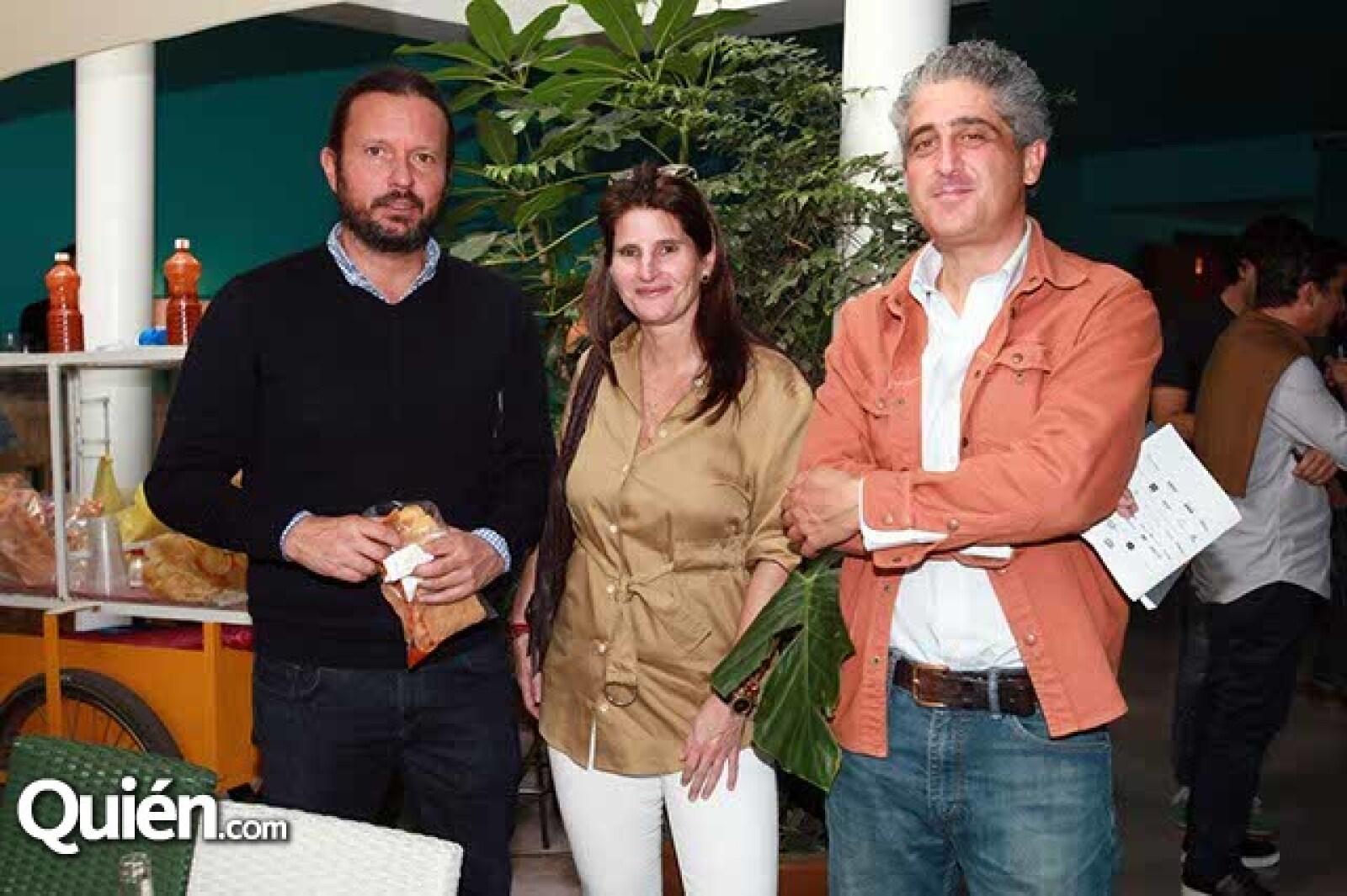 Eduardo Prieto,Oriana Vargas y Gabriel López Morton