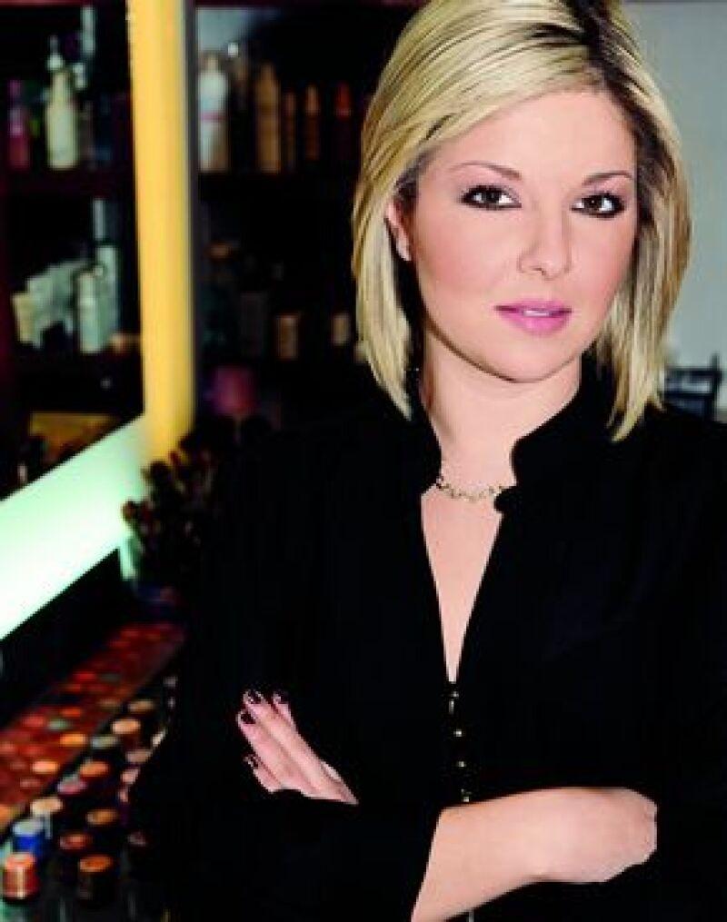 Paola, Alejandra, Ana Paula y Shantal son cuatro guapas maquillistas dedicadas a embellecer a la sociedad tapatía en los mejores eventos.