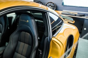 Porsche 911 Turbo S Exclusive Series interiores