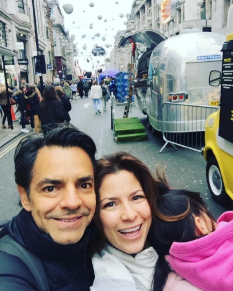 La familia Derbez de vacaciones en Londres.