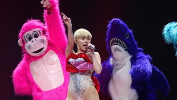 La cantante no podrá actuar en el país caribeño por culpa de su polémica actitud sobre el escenario, así lo decidieron autoridades de espectáculos públicos que cancelaron su show del 13 de septiembre.