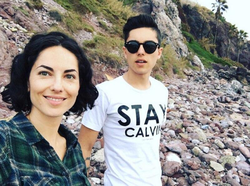 Bárbara Mori aparece en esta imagen con su hijo Sergio Mayer Mori.