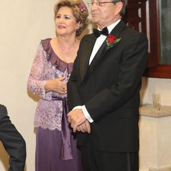 Ana María Millan,Guillermo Ochoa