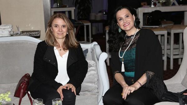 Laura González,Paola Velazco