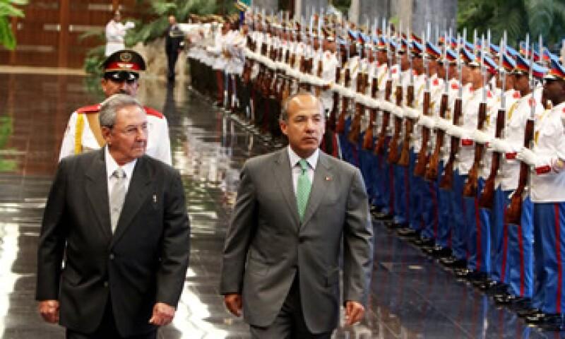 Los convenios se firmaron en el marco de la visita oficial del presidente Felipe Calderón Hinojosa a Cuba. (Foto: Notimex)