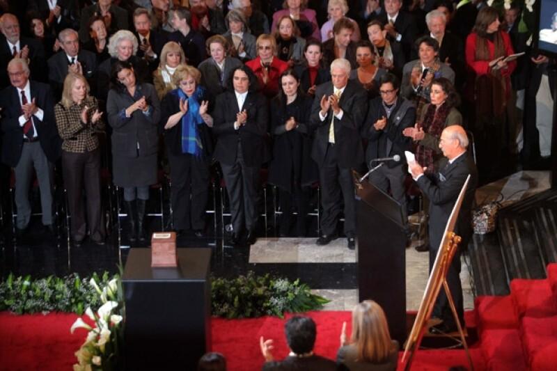 El reconocido actor mexicano recibió un homenaje póstumo en el Palacio de Bellas Artes, en donde se dieron cita diversas personalidades del medio artístico.
