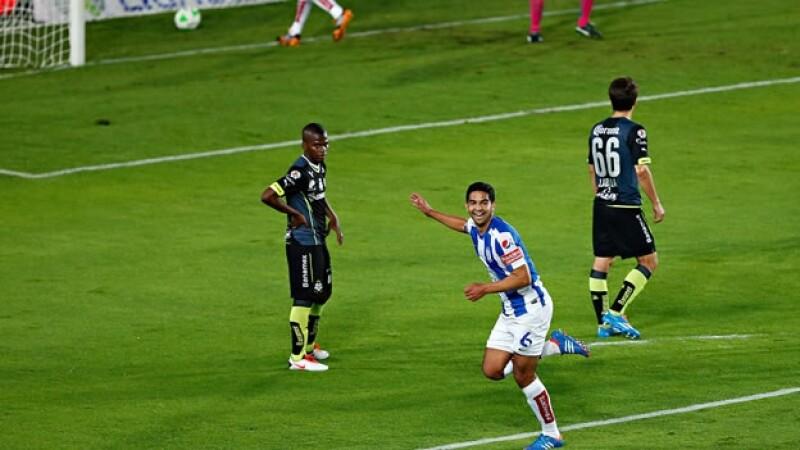 Diego de Buen celebra el primer gol de Pachuca en la ida de semifinales de la Liga Mx