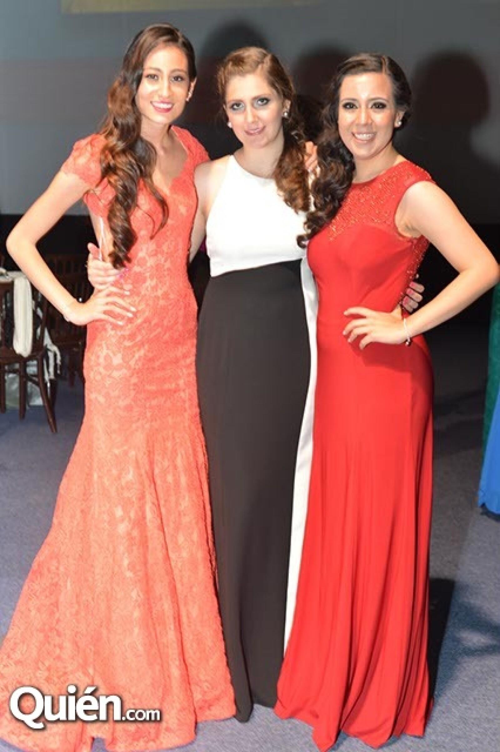 Natalia Bastida,Michelle Withouse y Karina Ortiz.