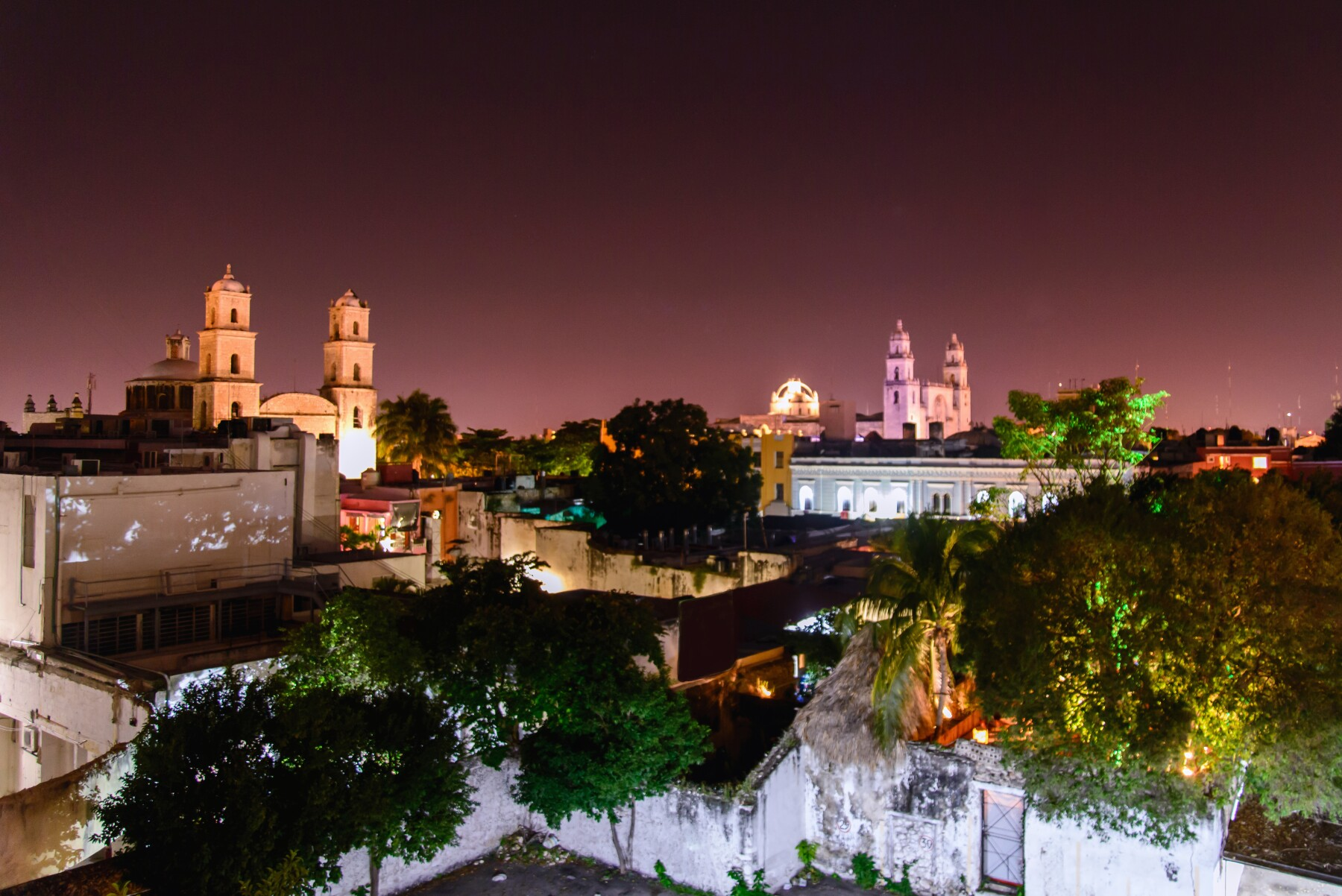 Mérida at night.