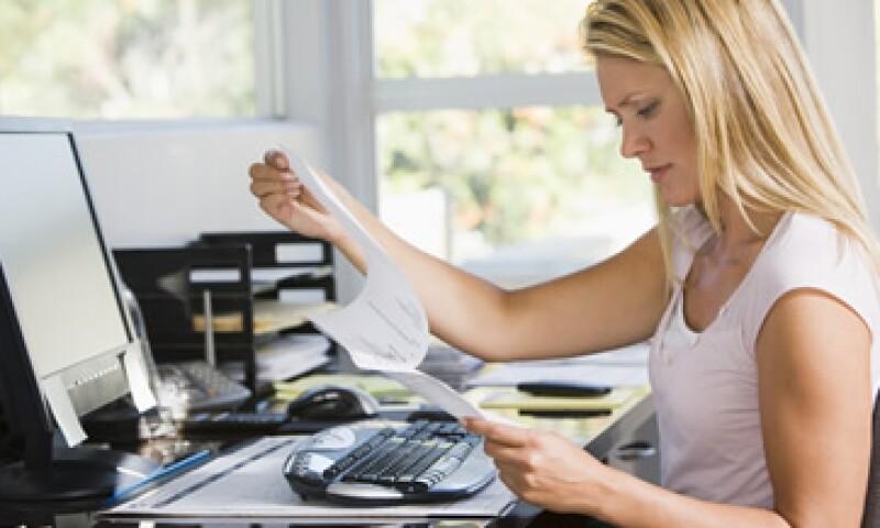 Los contribuyentes pueden emitir facturas sin límite a través de la plataforma del SAT. (Foto: Getty Images )