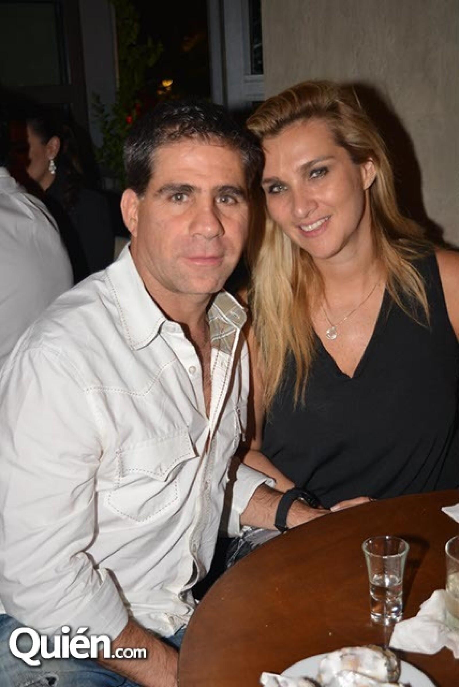 Lázaro Carrillo y Cynthia Caballero.
