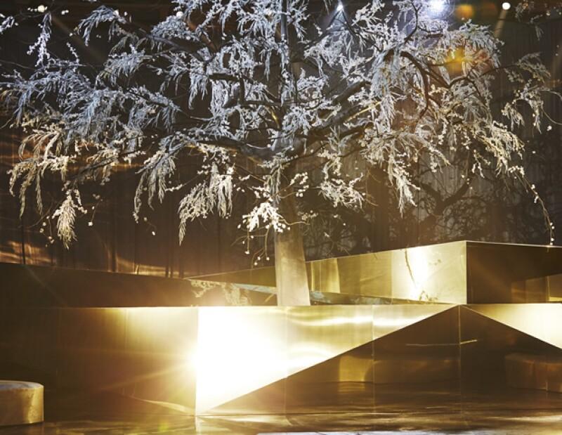 El árbol que H&M colocó para la pasarela de Studio.