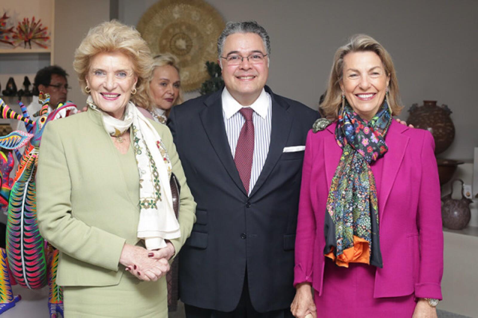 Viviana Corcuera,Martín Olavarrieta y Marie Thérèse Arango