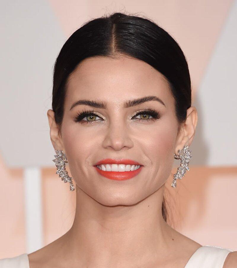 Jenna Dewan Tatum presumió sus increíbles labios con un tono bold en los Oscar.