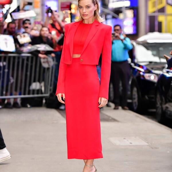 Margot Robbie en Versace