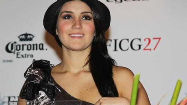 La cantante indicó al portal de la revista People en Español, que no ha recibido ningún anillo de parte de su novio Luis Rodrigo Reyes; continúa grabando su reality show.