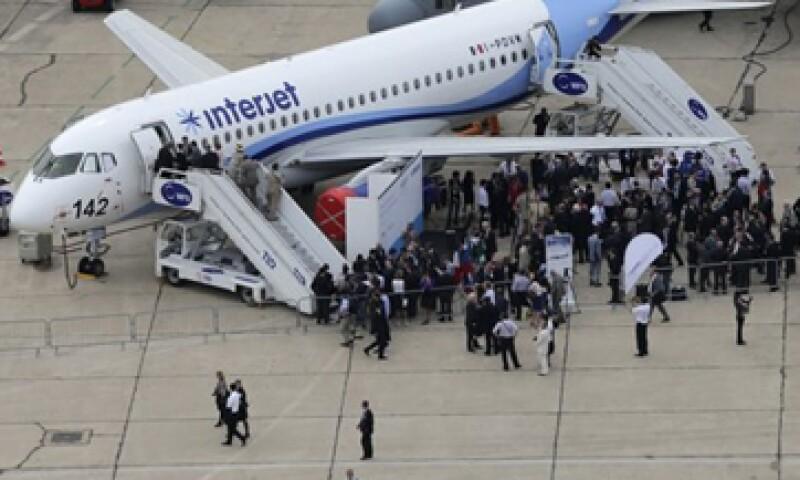 En el salón de aeronáutica en París participan más de 2,000 expositores internacionales. (Foto: Reuters)