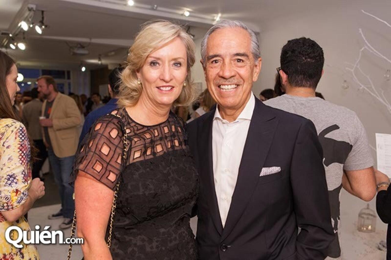 Juana y Luis Domenzain