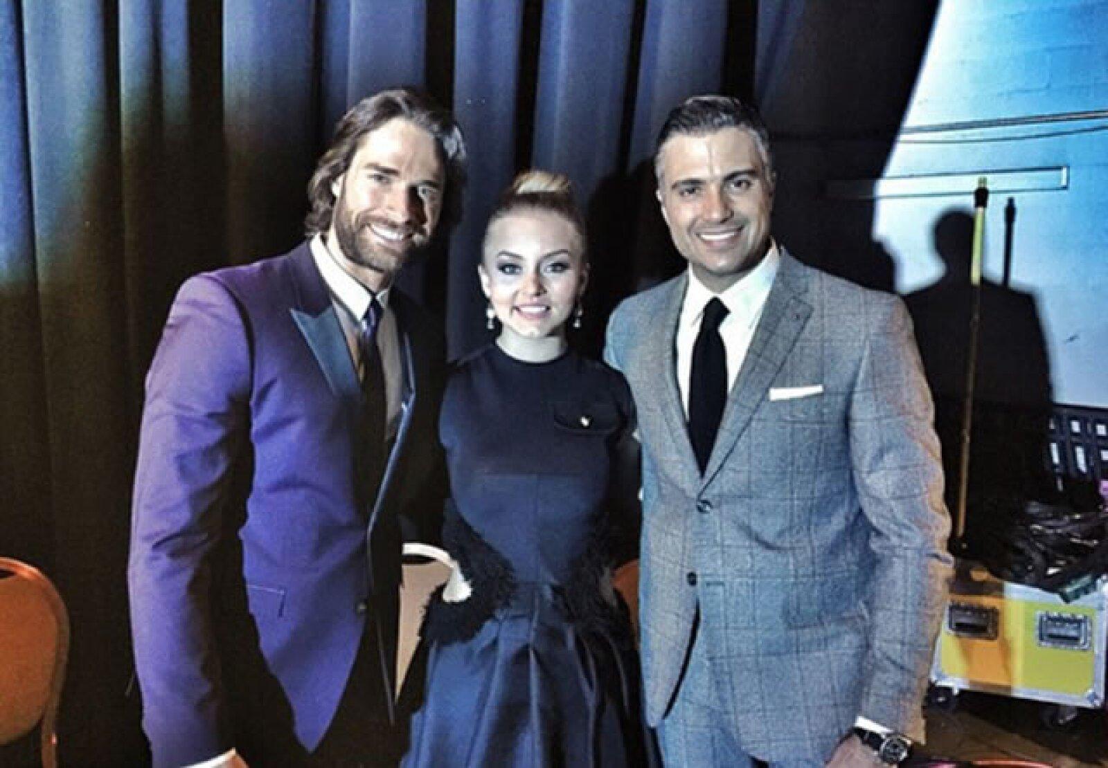 Sebastián y Angelique no perdieron ninguna foto con los demás mexicanos famosos que asistieron a la entrega.