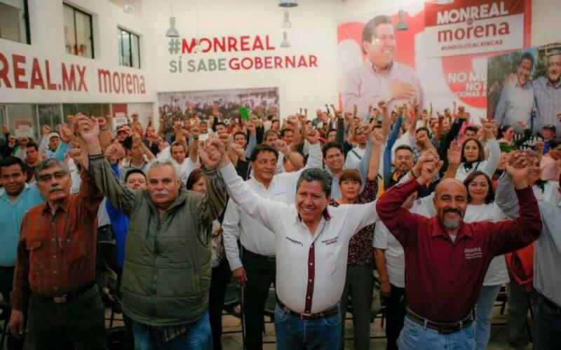 David Monreal se reunió este martes con integrantes del magisterio en Zacatecas en el marco de sus actividades proselitistas.