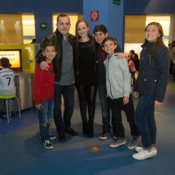 Sebastian Sevilla,Francisco Sevilla,Belén Pérez,Alexis Sevilla,Diego Castillo,Fernanda Sevilla