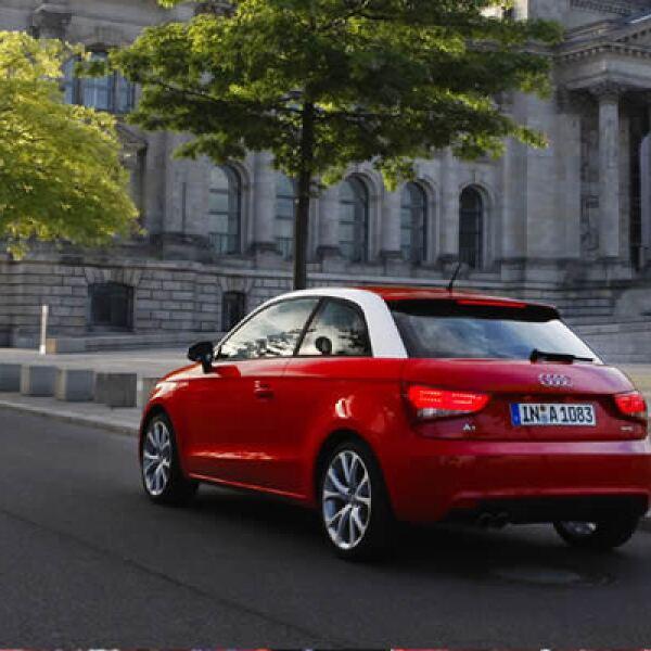 El modelo empezará a comercializarse en noviembre próximo, con 4 versiones que oscilarán en los 19,000 y los 27,000 dólares.