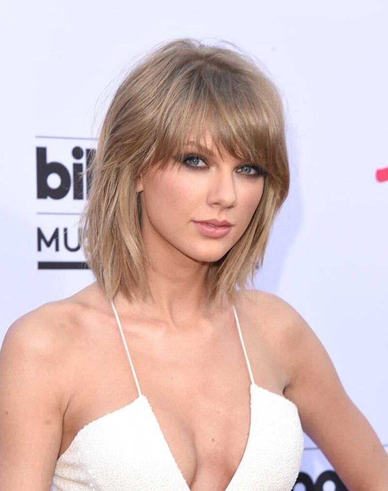 La cantante enfrenta una demanda que la obligará a declarar en los próximos días por el supuesto uso ilegal de la frase 'Lucky 13'.