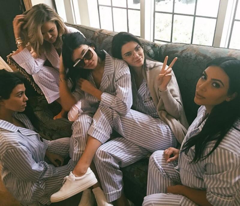 Las hermanas Kardashian en el baby shower de Kim.