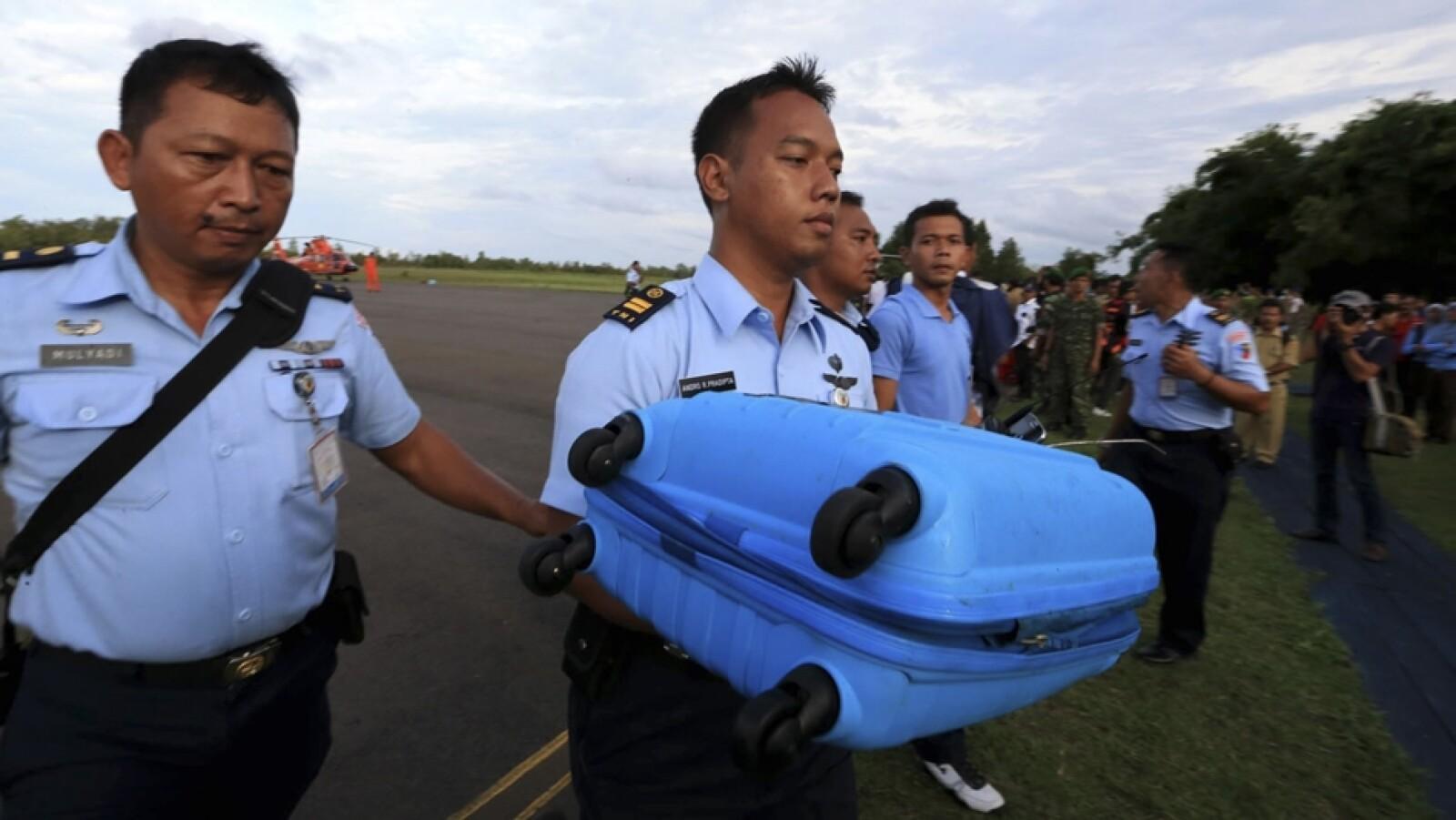 restos vuelo QZ8501 11