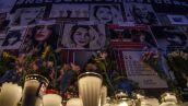 Con flores, velas y fotografías, mujeres rindieron homenaje a víctimas de feminicidio