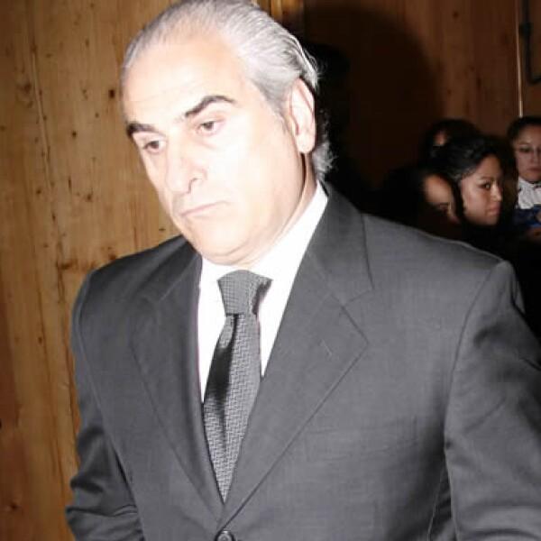 El ex dueño de Gigante, Ángel Losada, quien estuvo secuestrado en 1994, también acompañó a la familia Martí.