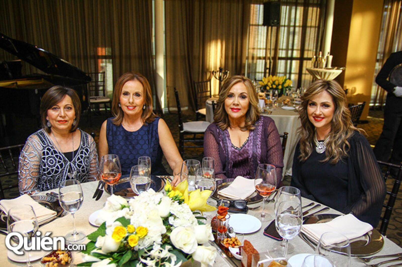 Olga de Morales,Marisa de Ramírez,Bridget de Castro y Bárbara de Tapia