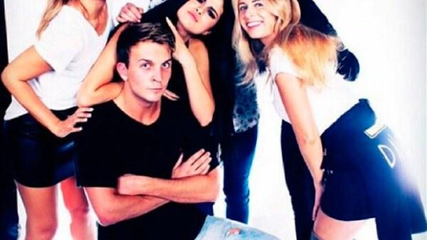 Durante la fiesta de cumpleaños de la actriz Jenna Dewan, se dice que la pareja de &#39amigos&#39 tuvo un momento de amor frente a todos los invitados.