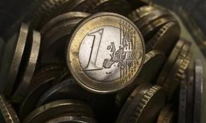 El FMI señaló que la economía de la zona euro se está recuperando y que por lo tanto el BCE debería subir su tasa de interés. (Foto: Reuters)