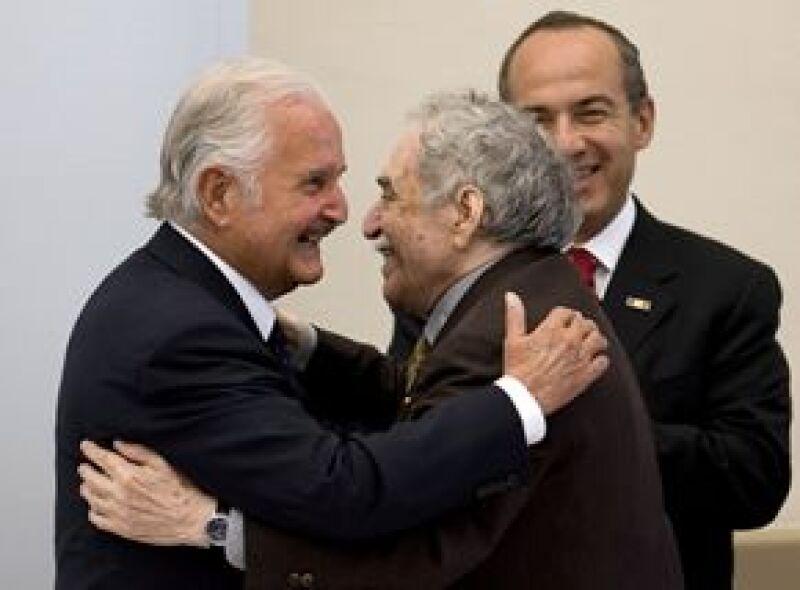 El presidente de México encabezó la ceremonia de inauguración del Homenaje Nacional al escritor, a la que también asistió García Márquez.